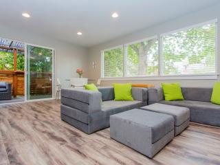 Contemporary 2BR Creekside Apartment – Sleeps 8! - Seattle vacation rentals