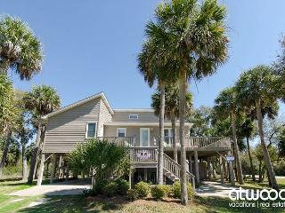 Island Gossip - Easy Beach Access,  Adorable Decor - Edisto Island vacation rentals