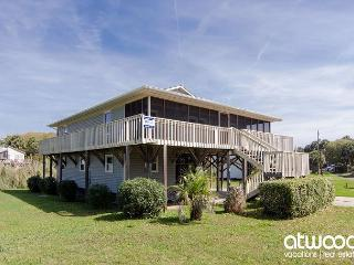 Sea Grass - Easy Beach Access, Screened Porch, Ocean View - Edisto Island vacation rentals