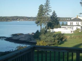 ATLANTIC SUNSET| SPRUCE POINT | OCEAN FRONT | BEACH | KAYAKING|PET-FRIENDLY - Boothbay vacation rentals
