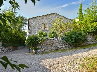 Perfect 3 bedroom Palazzone Villa with Internet Access - Palazzone vacation rentals
