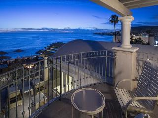 Oceanfront 2 bdrm located in the village, spectacular ocean views. - Laguna Beach vacation rentals