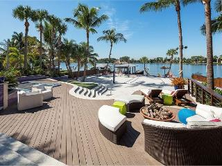 Resort-Style 4BR Lake Osbourne House with Incredible Outdoor Area - Lake Worth vacation rentals