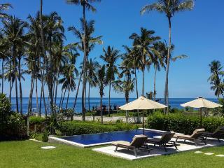 Villa Anggrek, Luxurious Ocean Front Accommodation - Kubu vacation rentals