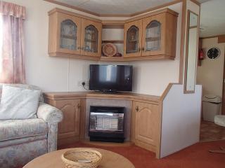 2 bedroom Caravan/mobile home with Deck in Talybont - Talybont vacation rentals