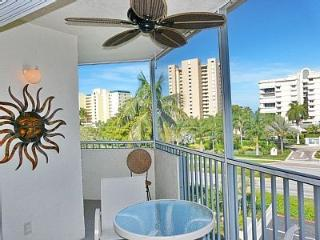 Gorgeous beach condo and great location - Marco Island vacation rentals