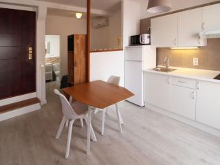 Modern penthouse studio in Argenteria street 5 - Palma de Mallorca vacation rentals