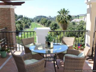 3 Bedroom Penthouse With Roof Solarium R122 - Benahavis vacation rentals