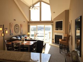 Cedar Glen Penthouse - 3 BR + Loft Sleeps 12 - Camdenton vacation rentals