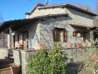 Villa indipendente con giardino - Poppi vacation rentals