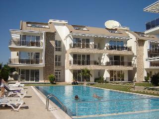 Nice 2 bedroom Condo in Bogazkent with Internet Access - Bogazkent vacation rentals
