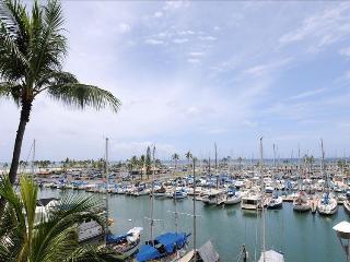 Ocean view in luxurious Waikiki one bedroom condo - Honolulu vacation rentals