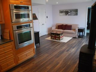 Mill Bay  - Luxury Coastal Escape - Mill Bay vacation rentals