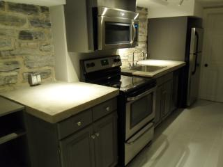 New Contemporary 2 Bedroom Near Queen's University - Kingston vacation rentals