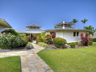 Luxury Home in gated community with pool - Kailua-Kona vacation rentals