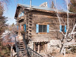 Perfect House with Deck and Internet Access - Hesperus vacation rentals