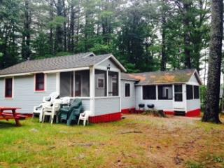 Lake Winnisquam Cozy Cabin (MAI8Bf) - Tilton vacation rentals