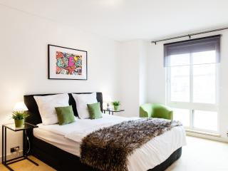 WanderLuxe 2!SUPERB OXFORD CIRCUS DESIGN CLEAN WOW - London vacation rentals