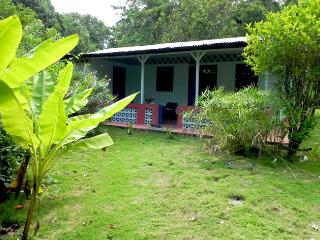 Nice 2 bedroom Cabuya House with Washing Machine - Cabuya vacation rentals