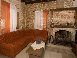 Sunny House with Dishwasher and Short Breaks Allowed - Barat vacation rentals