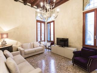 GONDOLA BIANCA VENISEJETAIME - City of Venice vacation rentals