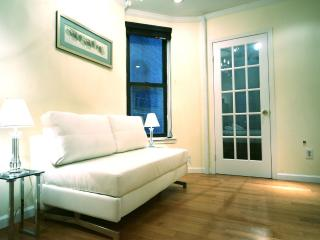 Charming Condo with Internet Access and A/C - New York City vacation rentals