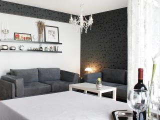 Znjan beach 300 m-Apartment DeBan - Split vacation rentals