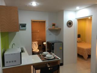 Cozy stay near Kathu Golf w/wifi, gym, pool 243 - Patong vacation rentals