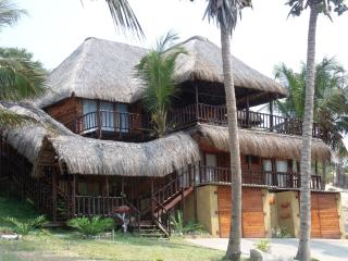Twin Palms Beachfront Property Praira de Barra - Inhambane vacation rentals