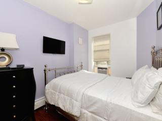 !!AMAZING 3 BR in Times Square!! - New York City vacation rentals