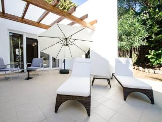 A Splendid Luxury Class Villa 14 in Puerto Banus for Short Term Rent - Puerto José Banús vacation rentals