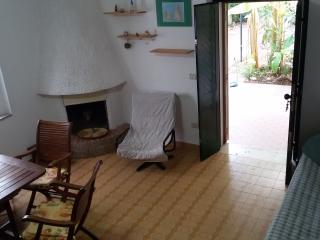 """villetta """"verde cales"""" - San Menaio vacation rentals"""
