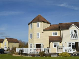 2 bedroom House with Internet Access in South Cerney - South Cerney vacation rentals