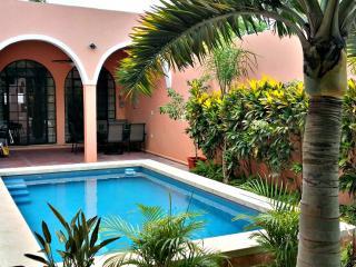 CASA FAVORITA CENTRO GORGEOUS HOME - Merida vacation rentals