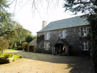 Stunning 17th Century French Manoir - Brittany - Taule vacation rentals