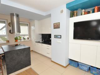 2 bedroom Apartment with Dishwasher in Jastrzebia Gora - Jastrzebia Gora vacation rentals