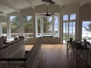 Oceanfront Perfection by Waimea Bay - Haleiwa vacation rentals