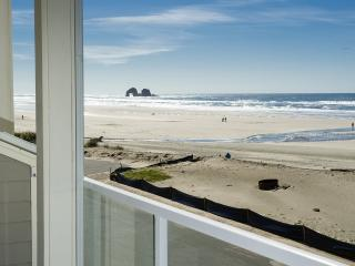 Terri's Beach Bungalow  ~ RA5953 - Rockaway Beach vacation rentals