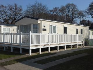 Dorset Holiday Retreat ~ BRAND NEW FOR 2016 - Christchurch vacation rentals