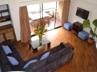 mt401-Top Floor Large 2 bedroom by LLeras, Poblado - Medellin vacation rentals