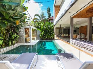 Modern 4 bedroom, Seminyak, Villa Minggu - Seminyak vacation rentals