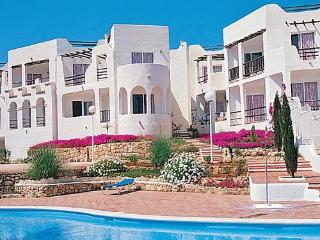 Bright Apartment with Shared Outdoor Pool and A/C - Siesta vacation rentals