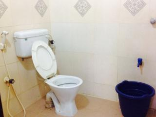 Bright Lodge with Satellite Or Cable TV and Parking - Chennai (Madras) vacation rentals