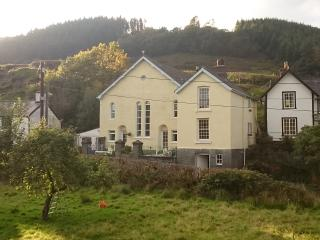 Charming House with Central Heating and Washing Machine - Dinas Mawddwy vacation rentals