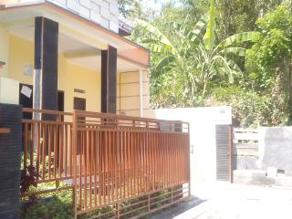 New build house . Traditional , - Kediri vacation rentals