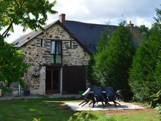Gorgeous 3 bedroom Barn in Vergonnes with Internet Access - Vergonnes vacation rentals
