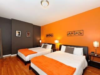Colorful 3BR/2BA in Midtown West by Central Park - New York City vacation rentals
