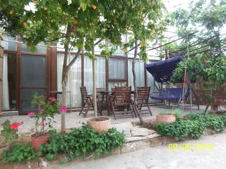 2Aircon, Garden, Close2Beach,2+1,WiFi, LedTV, Full - Seferihisar vacation rentals