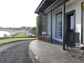 Seaside Cottage, Sea front at Burntisland - Burntisland vacation rentals
