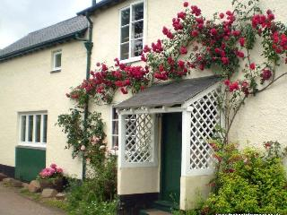 Forge Cottage, Wootton Courtenay - Cottage in quiet Exmoor village - Sleeps 2/3 - Wootton Courtenay vacation rentals